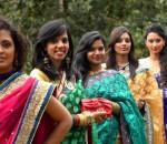 women-wearing-sari-in-mauritius