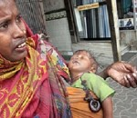 indian beggar with child_thumb[7]